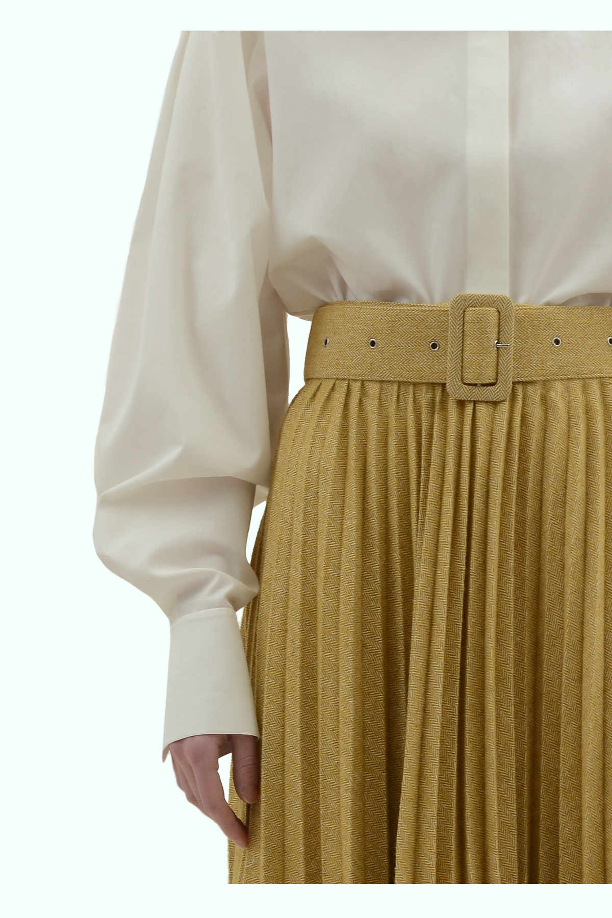 Mustard tweed pleated skirt with a belt 3