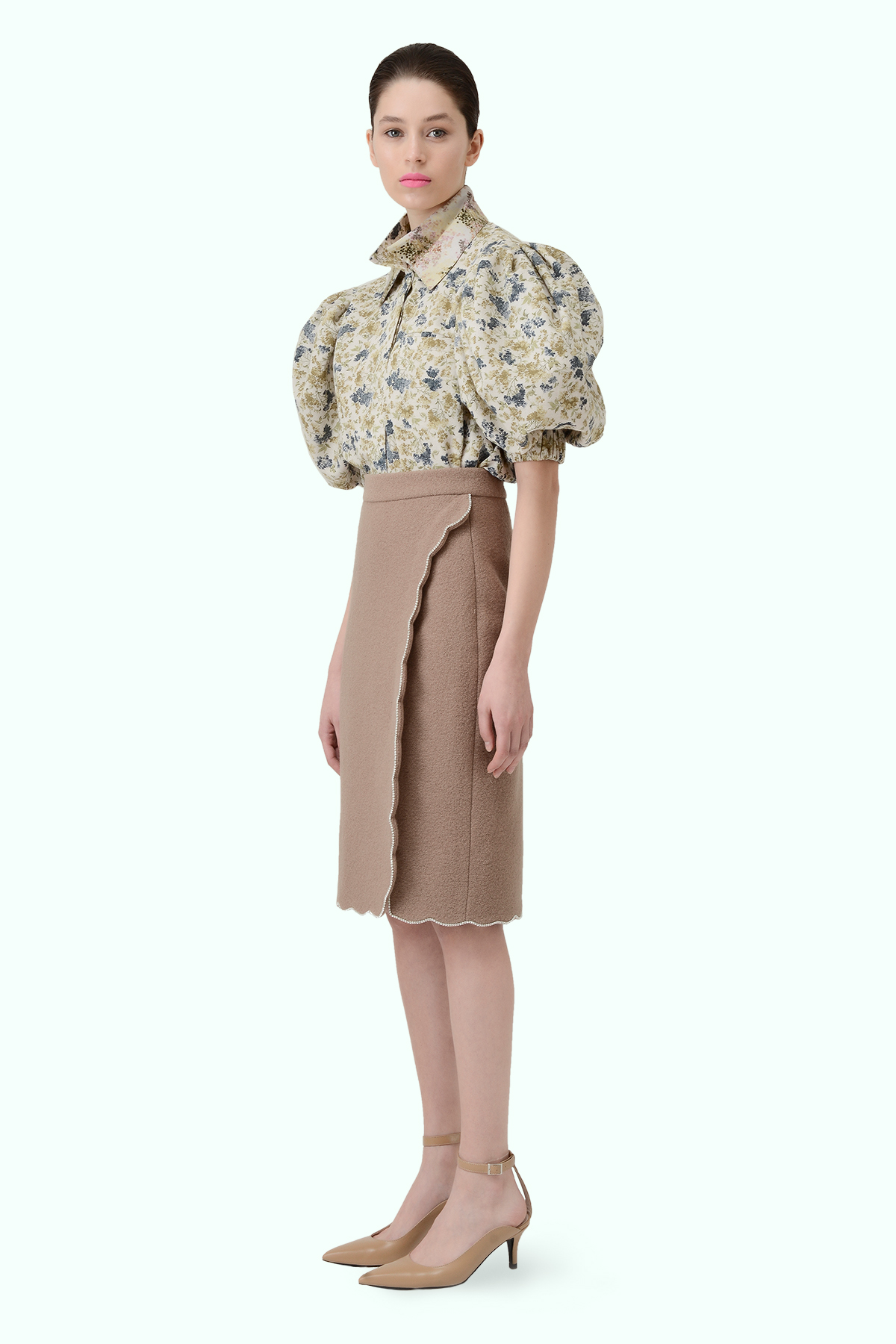 Beige wool high-waist pencil skirt with embrodiered crystals 3