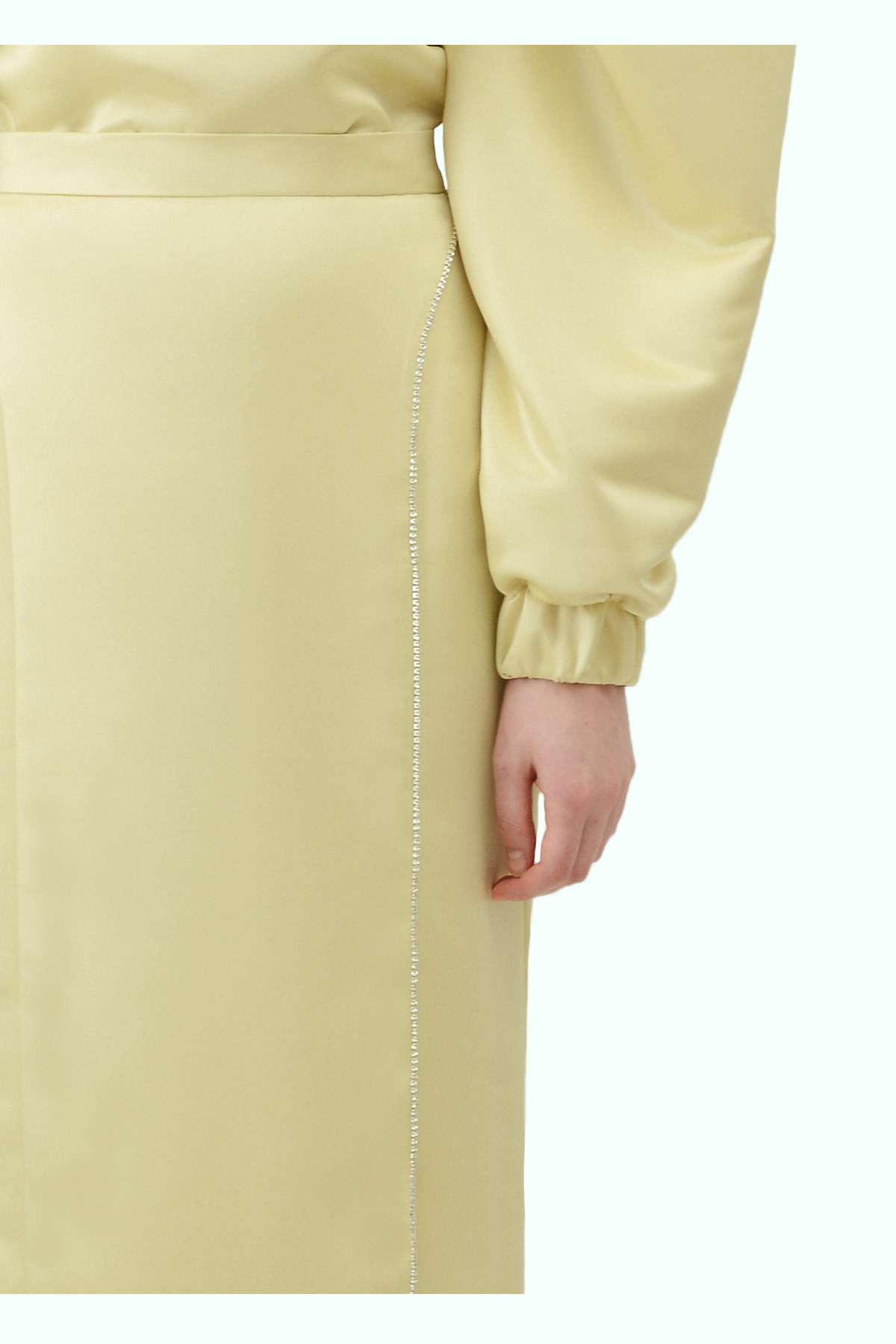 Yellow pencil high-waist skirt with embrodiered crystals 2