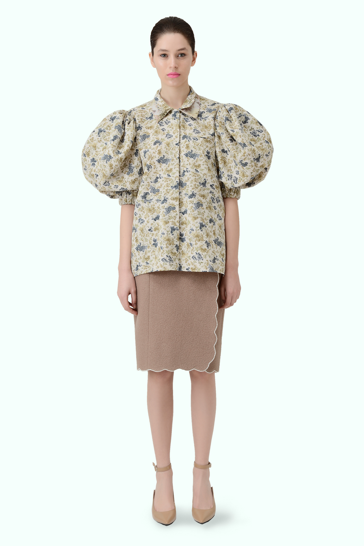 Floral print shirt with puff sleeves