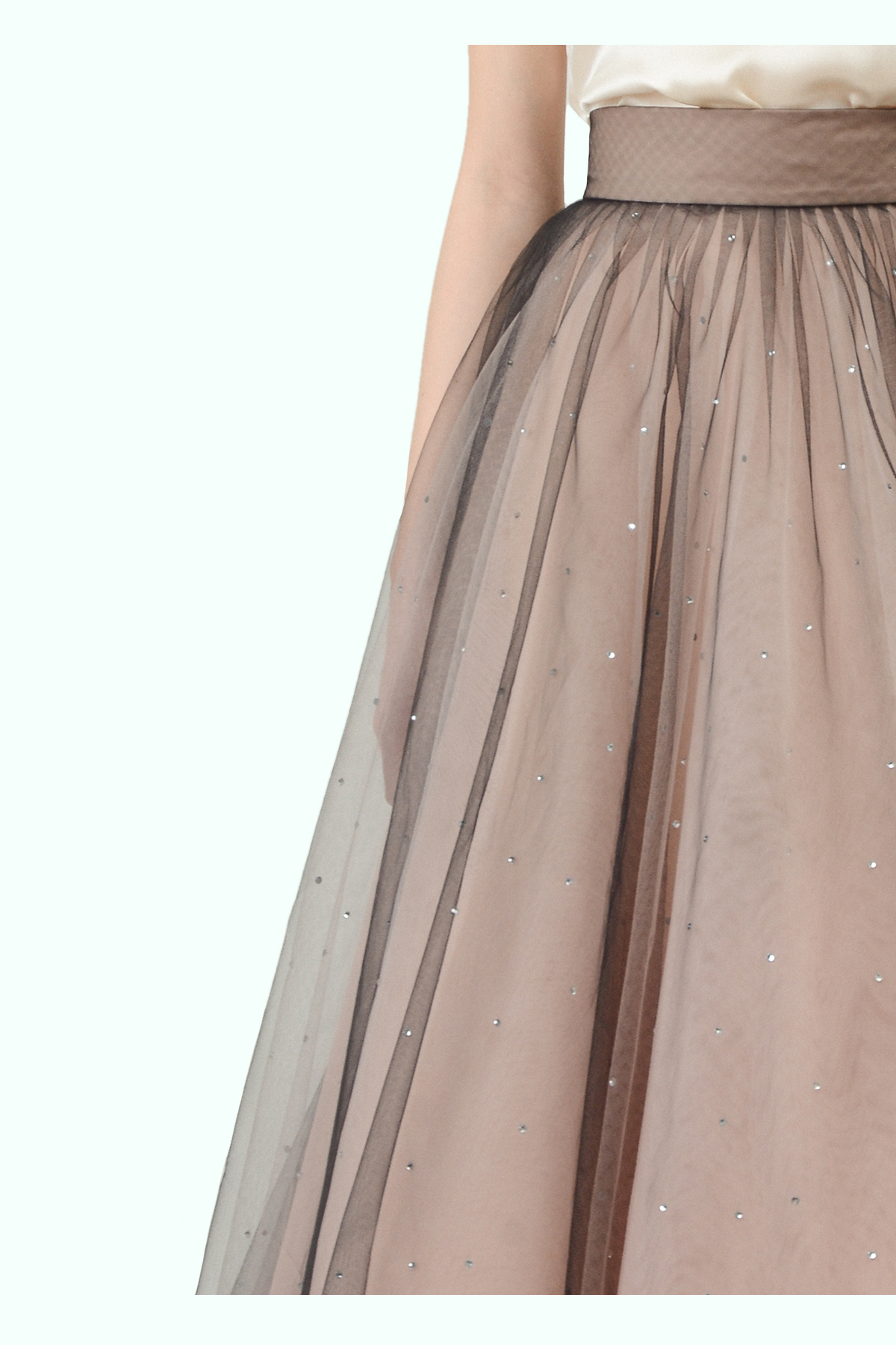 "Beige ""Ballerina"" tulle skirt with embroidered crystals 2"