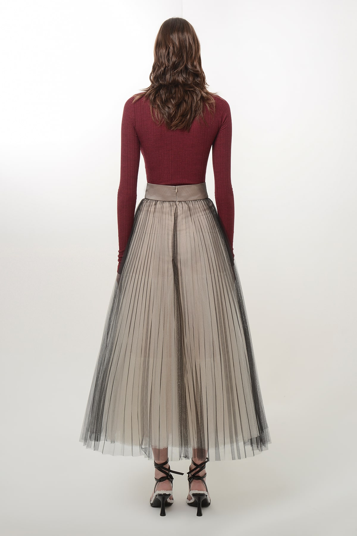 Pleated black and beige ballerina skirt 2