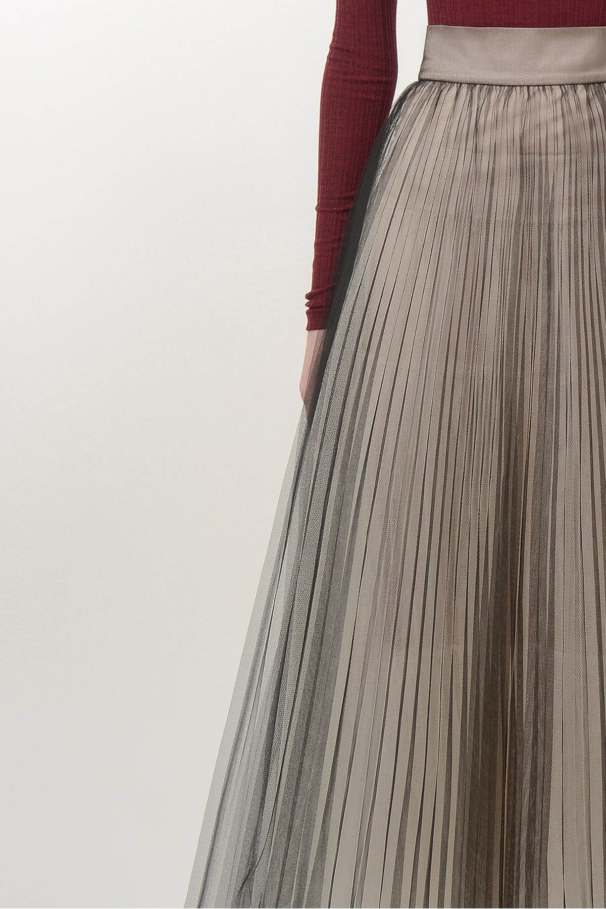 Pleated black and beige ballerina skirt 3