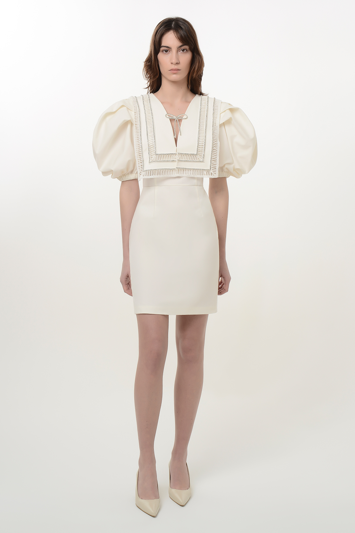 Puff sleeve dress with embroidered collar 1