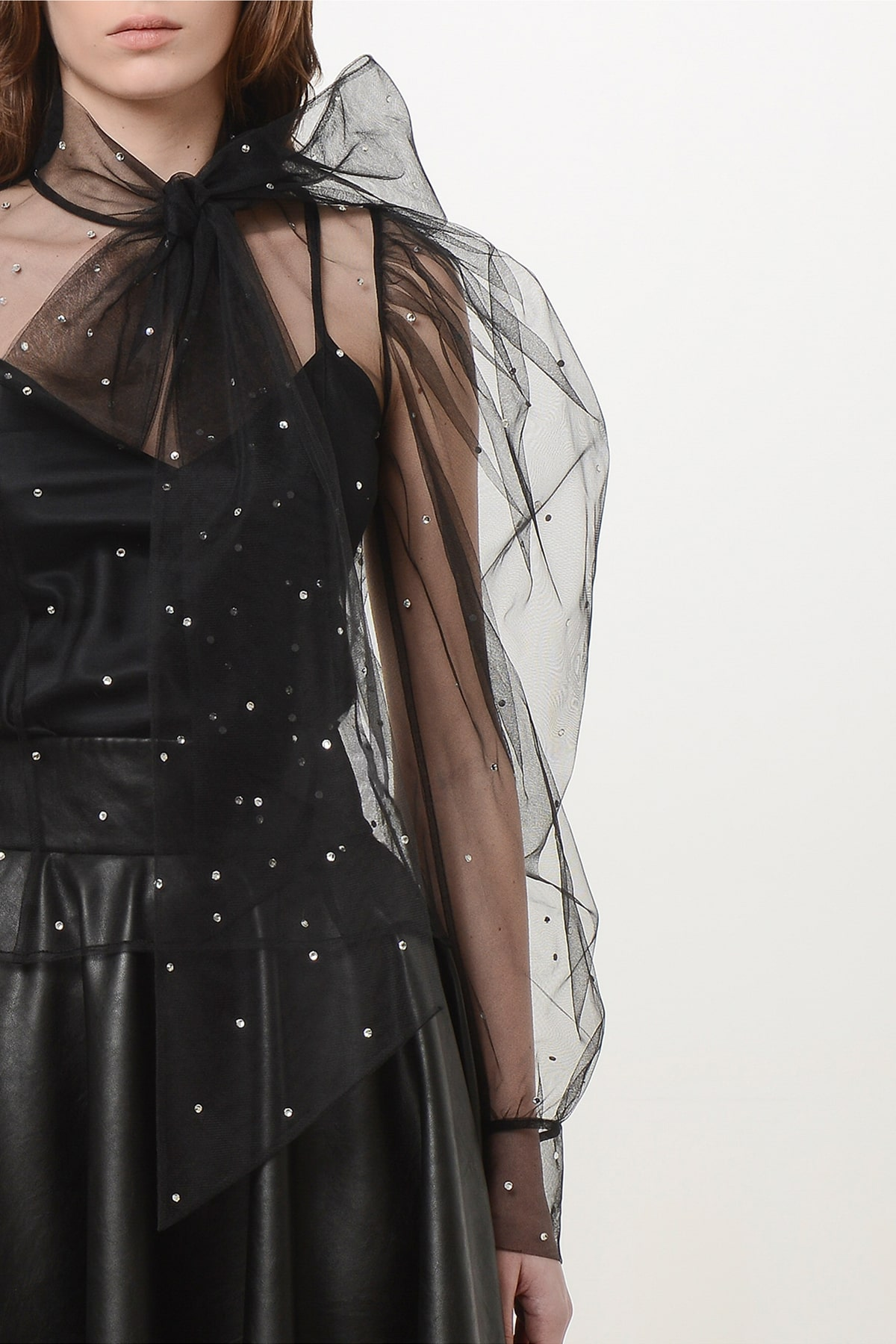 Bow tie tulle shirt with crystal drops 3
