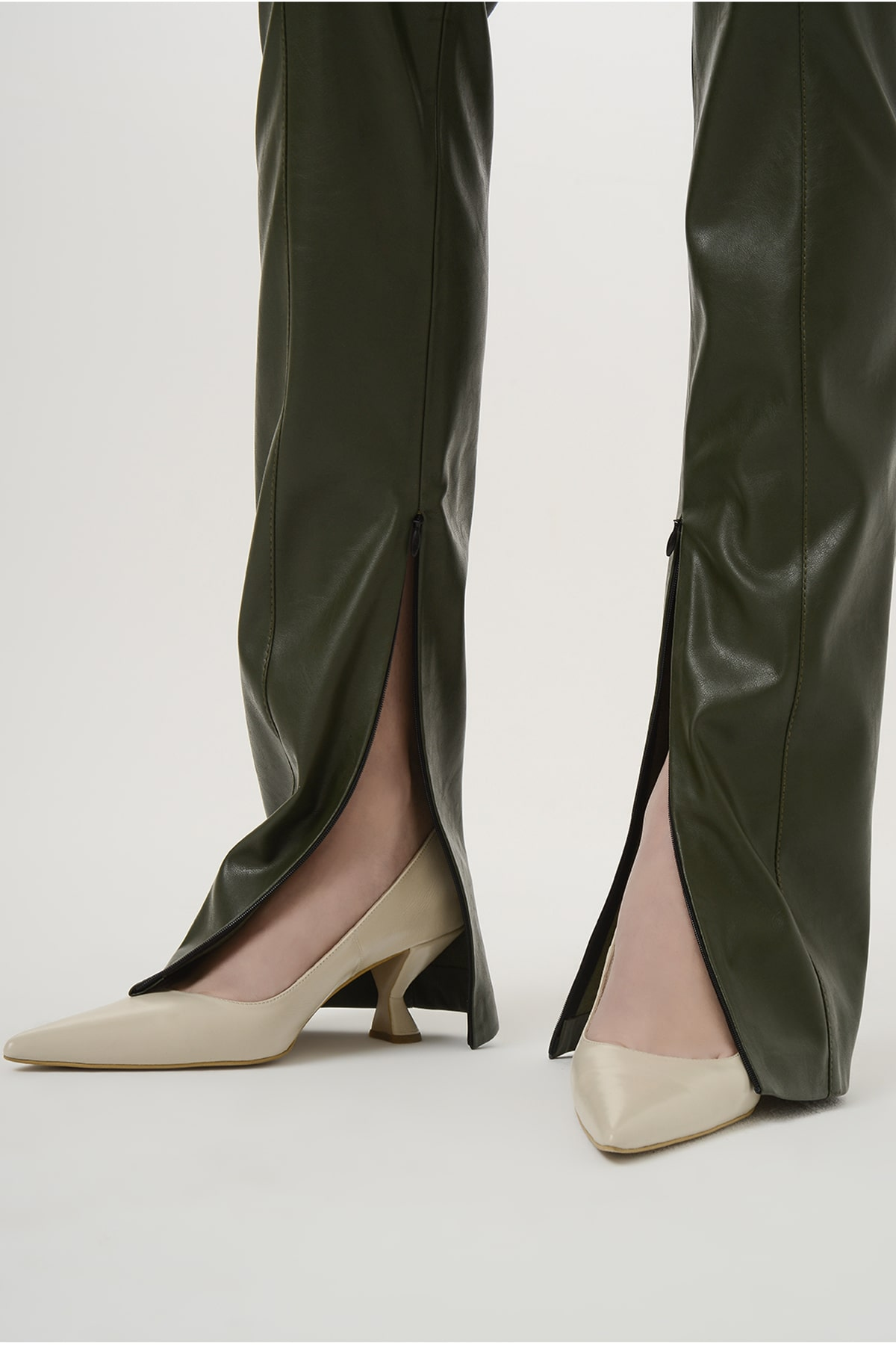 Straight vegan leather pants with zippers 3