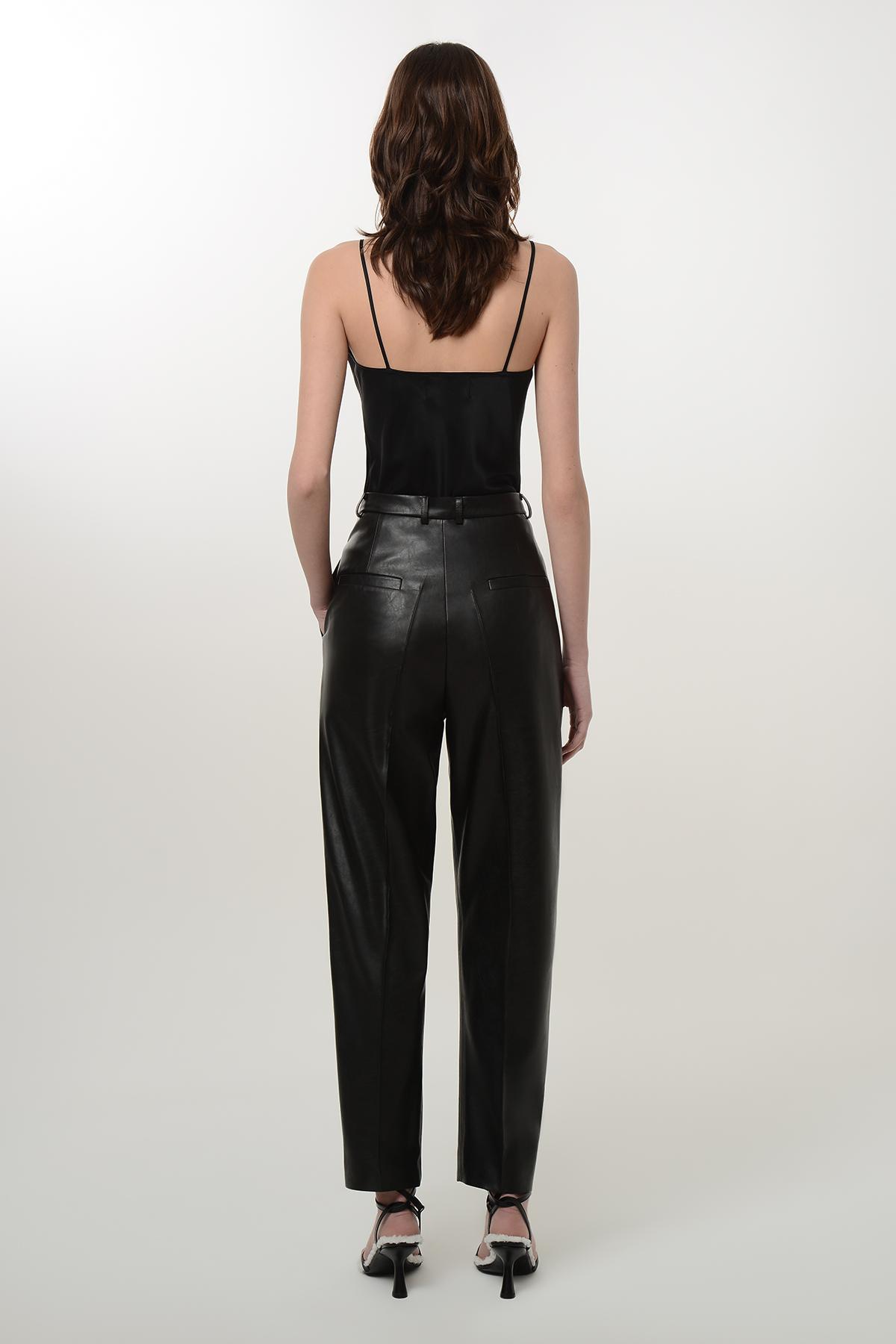 High waisted vegan leather paggy pants 2