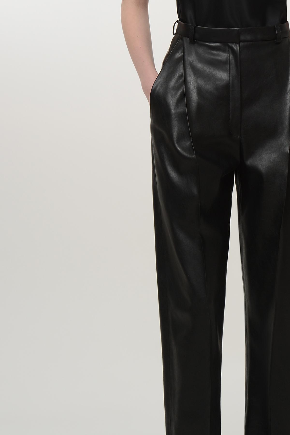 High waisted vegan leather paggy pants 3