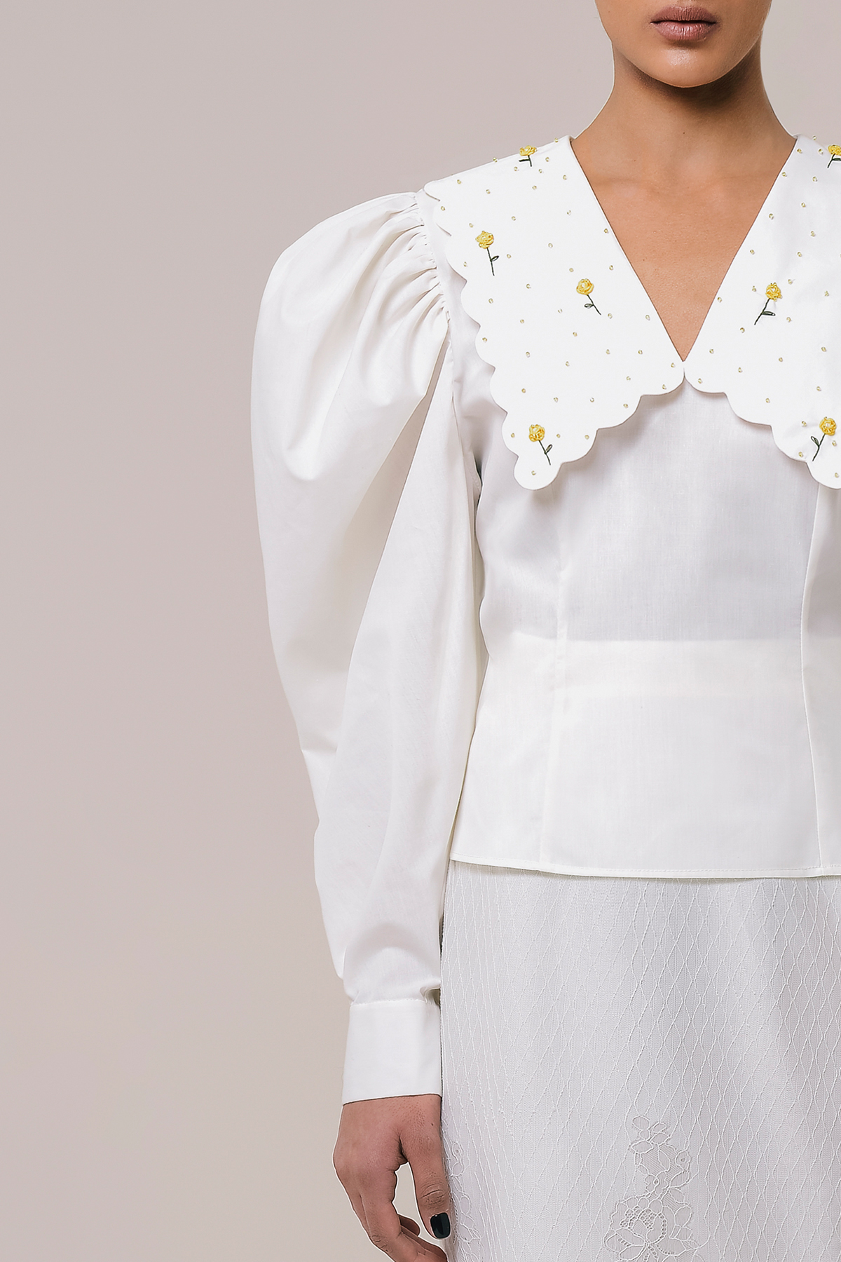 Blouse with embroidery collar 3