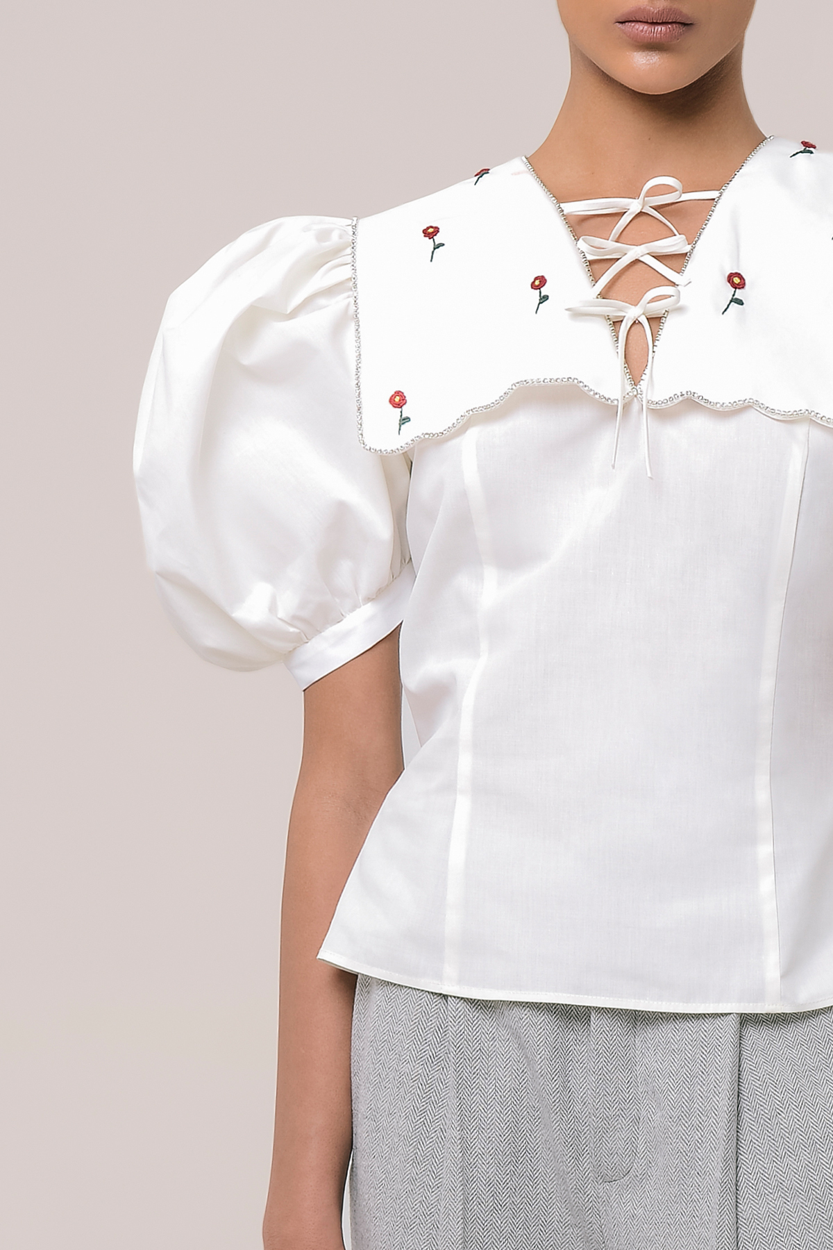 Puff sleeve blouse with embroidery collar 3