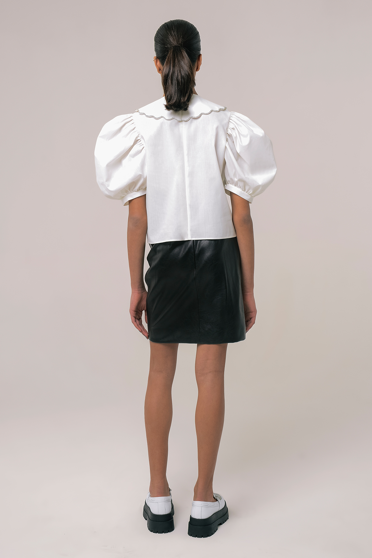 Blouse with embroidered collar and ribbons 2