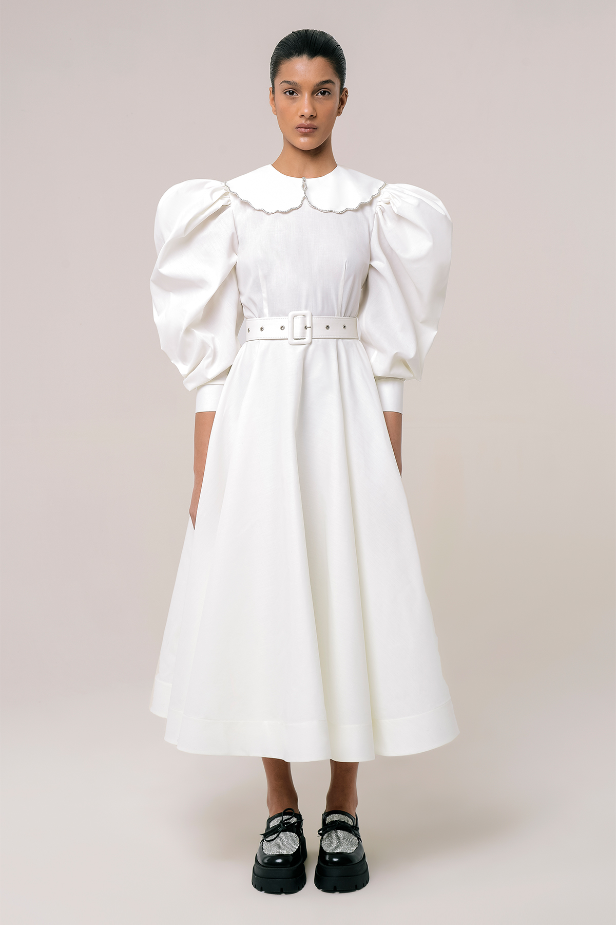 Puff sleeve shirt dress with  embroidered collar